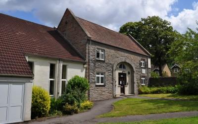 Lincombe Barn, Downend Folk House