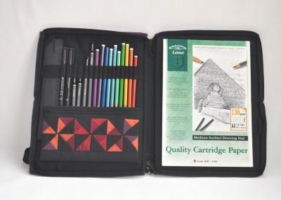 Sketchbook bag A4 inside
