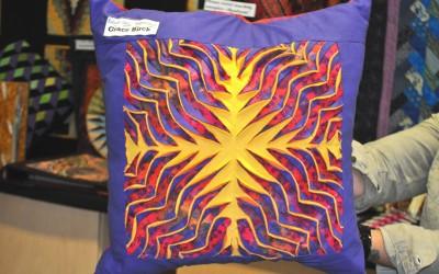 Grace B.Layered & slashed cushion